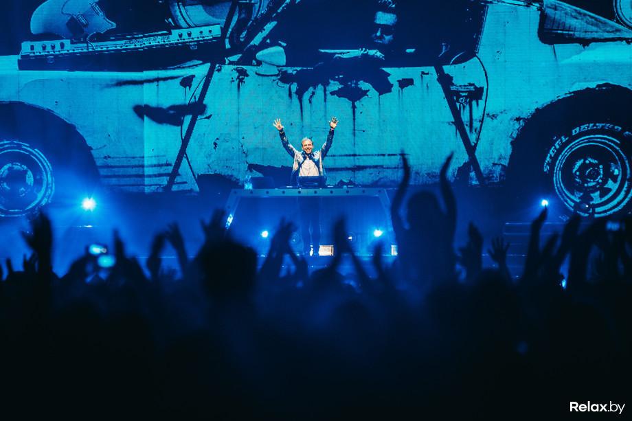 Cамый рейтинговый диджей планеты Армин ван Бюрен с грандиозным шоу Armin Only Embrace в Минске