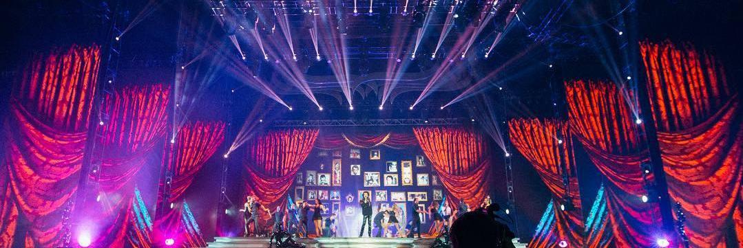 В  Баку в Crystal Hall прошел сольный концерт Филиппа Киркорова